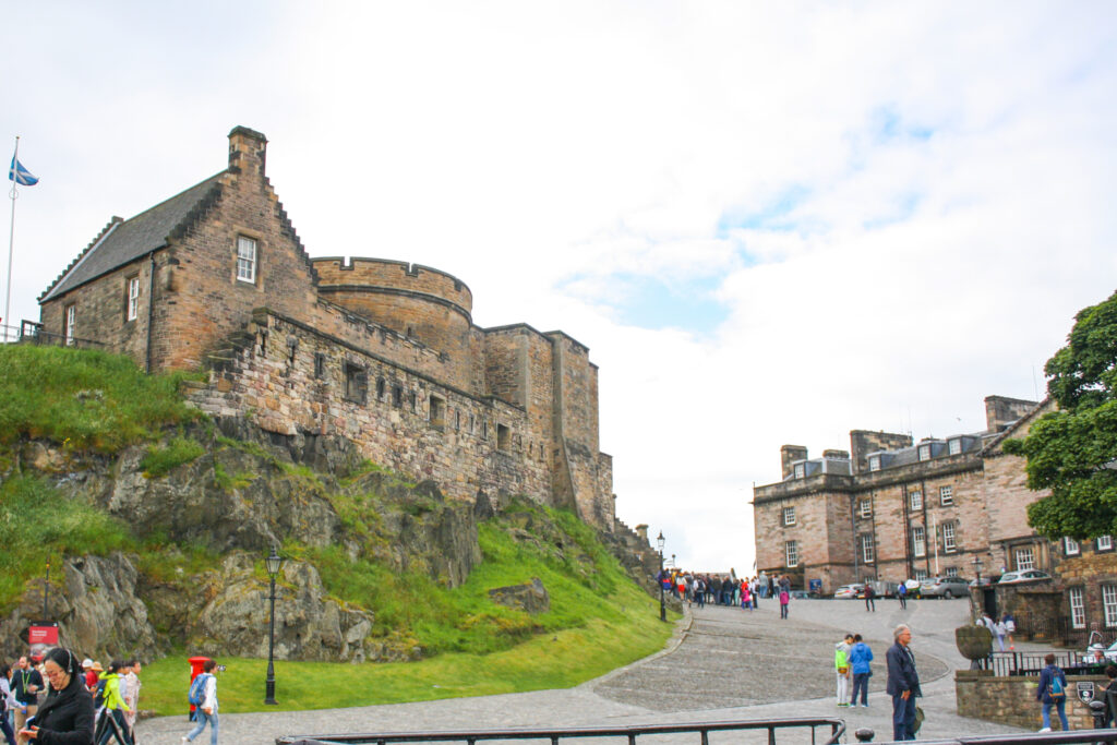 Edinburgh Castle -- Top Things to do in Edinburgh