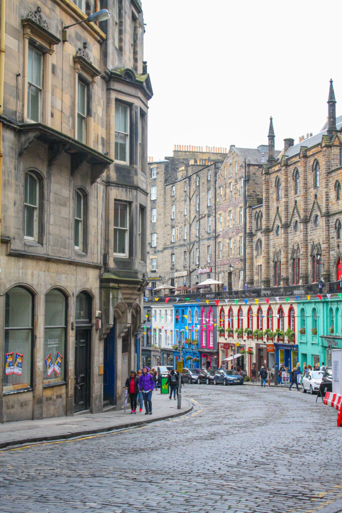 Victoria Street, Edinburgh -- 2 day Edinburgh Itinerary