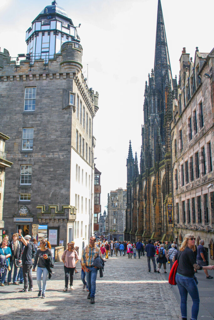 Walk the Royal Mile in Edinburgh during your 2 day interary